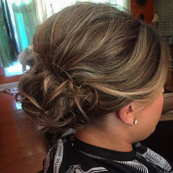#hairbysarahselby #weddingsbysarahandmaria #bridalhair #bridesmaidhair