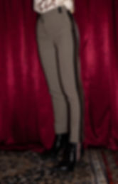 pantalone fantasia con banda