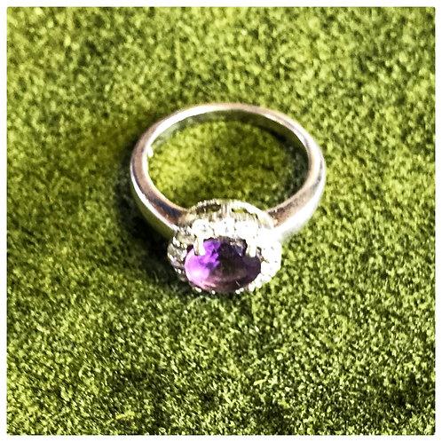 runder Ring, Silber, mit Strassteinen und lila Glasstein