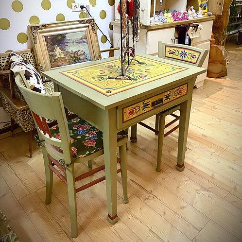 Bauernmöbel, kleiner Tisch + 2 Stühle - handbemalt - Echtholz