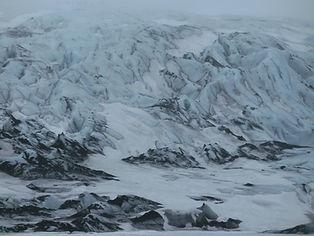 冰川的啟示。黃錦綸老師作品。 Inspired by nature, a painting by Mr. WONG Kam Luen.