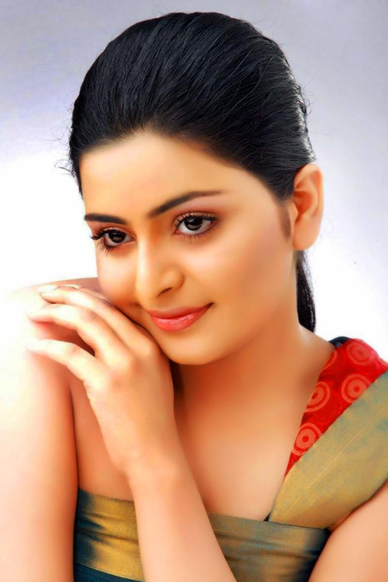 South Indian Actress Swathys Hd Close Up Photo Wallpaper Non
