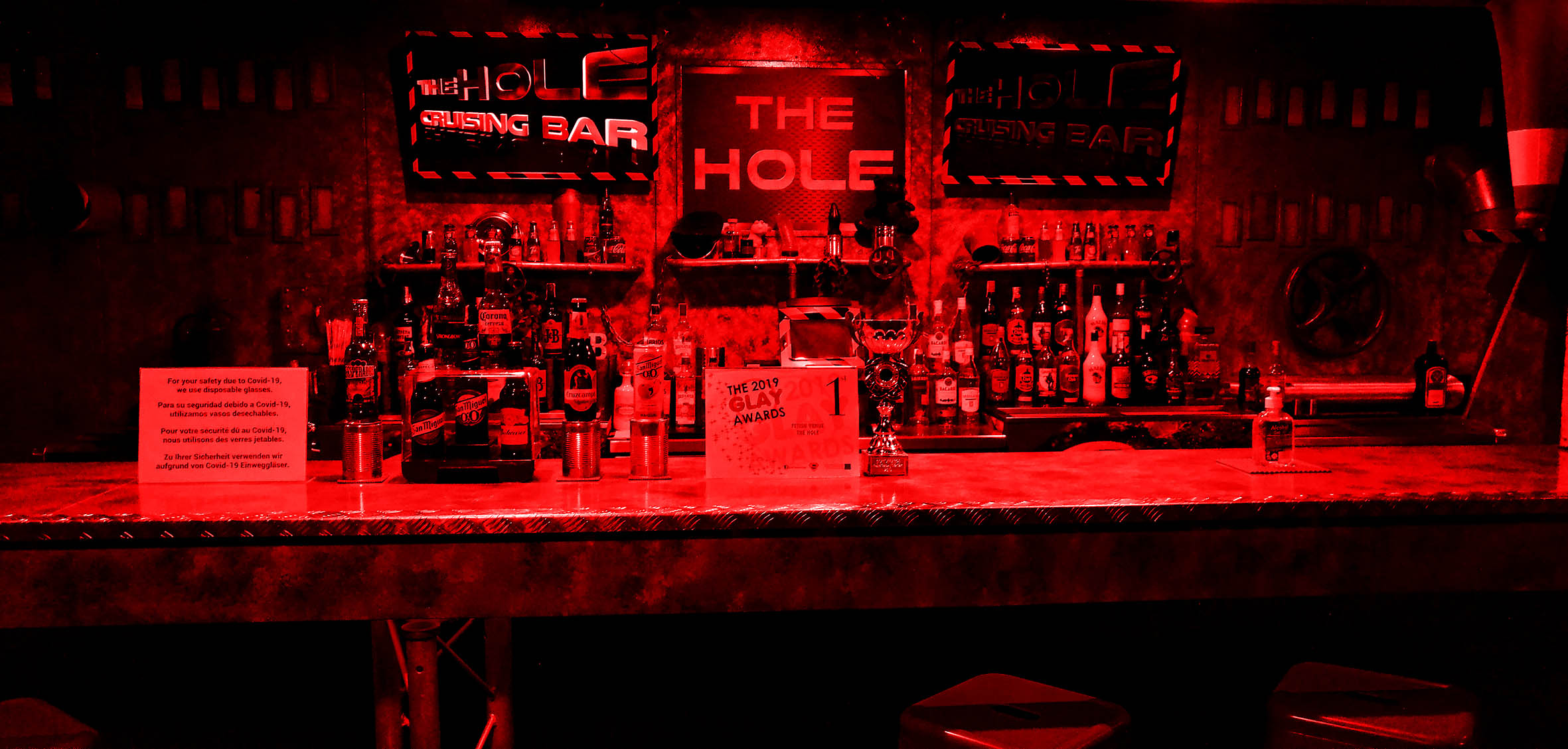 The Hole Red 25