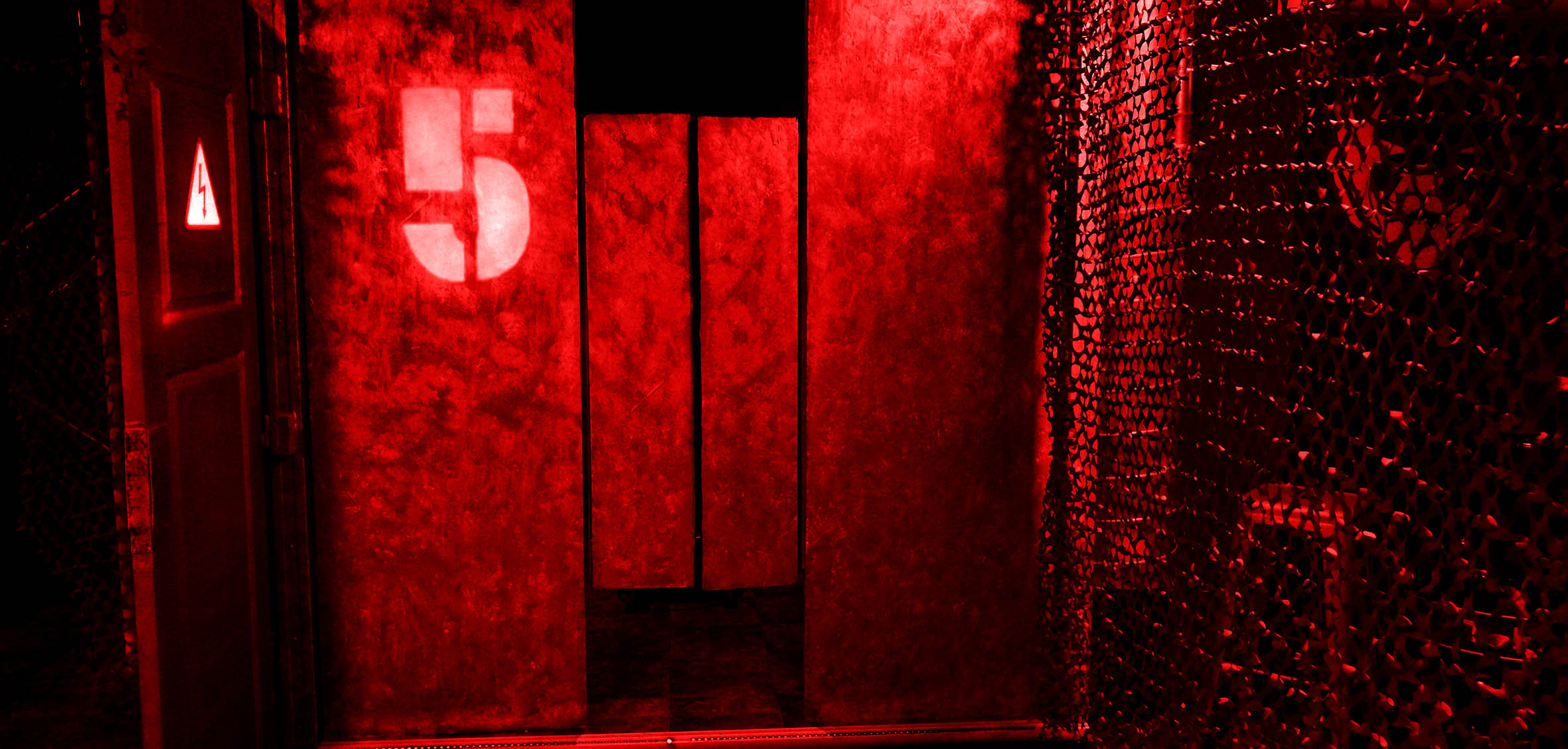 The Hole Red 4