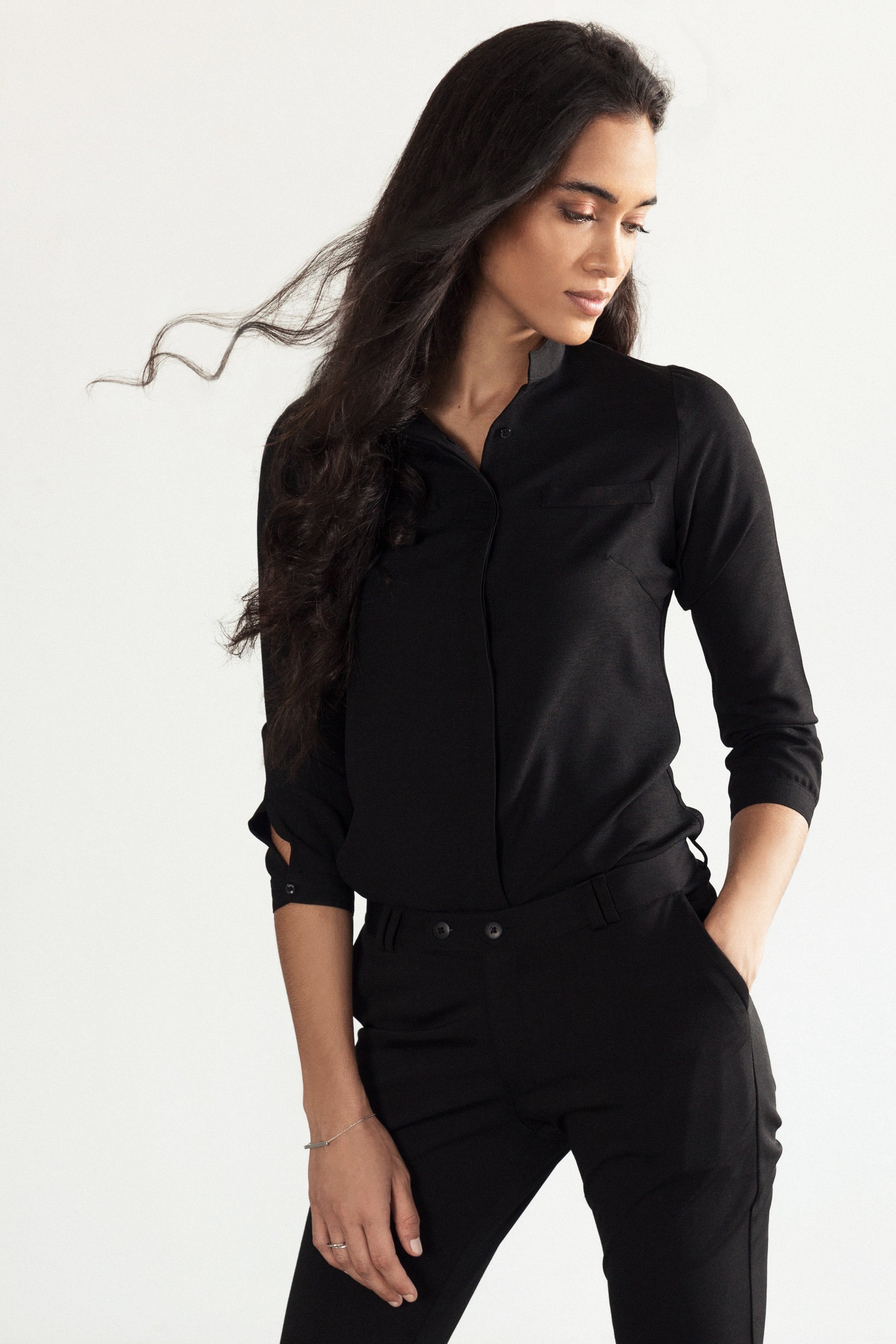 black-outfit_blouse_trousers