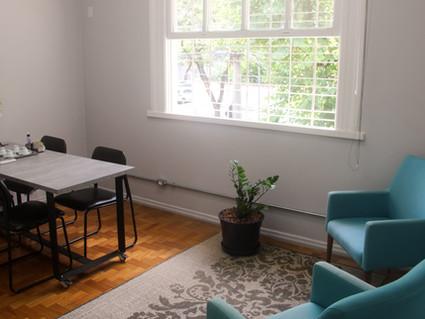 """Sala para psicólogos: """"Co-Labor oferece espaço aconchegante"""", afirma residente"""
