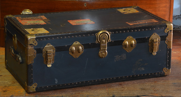 A vintage Cabin Trunk. R3695