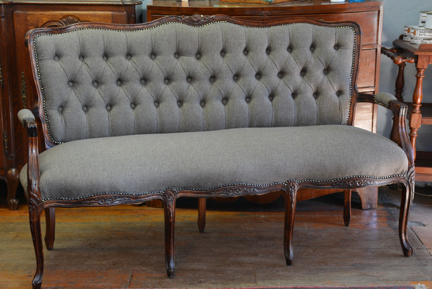 A Louis XV style Settee. R12995