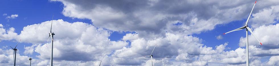 Wolken&WindturbinesB_Panorama2kopie.jpg