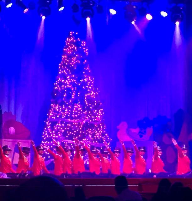 Christmaspectacular! Lights Up Arlington Music Hall