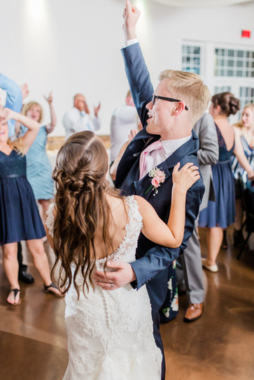 Amanda-and-Evan-Wedding-701-1.jpg