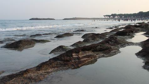The rocky sea shore of Diu.