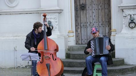 Street musicians always fascinate me