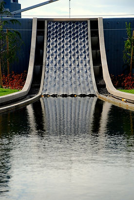 אשד מים מאריחי בטון אדריכלי בהזמנה