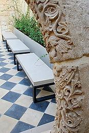 רהיטי בטון  אדריכלי