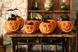 Grinny pumpkin cauldrons