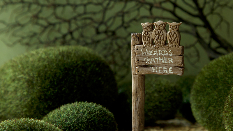 Owl signpost
