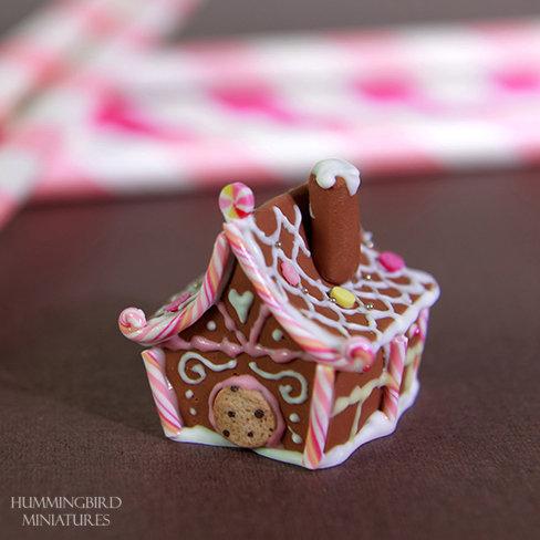 Gingerbread house - fancy roof