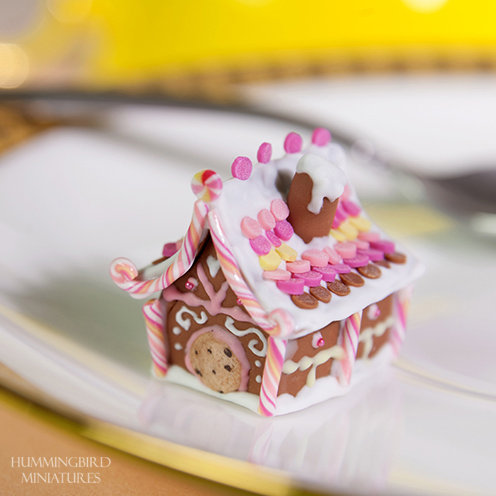 Gingerbread house - yellow and pink