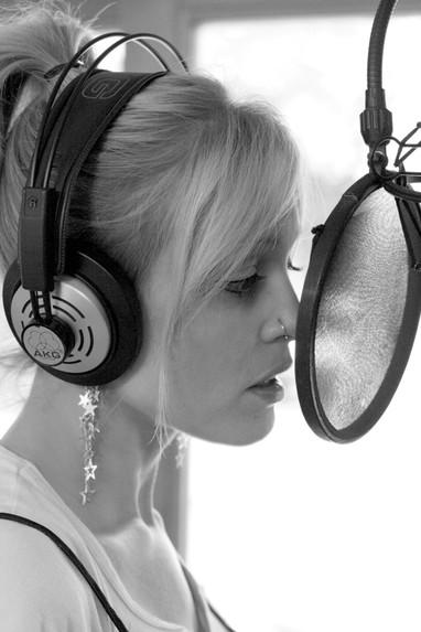 Lisa Bouchelle Recording Studio