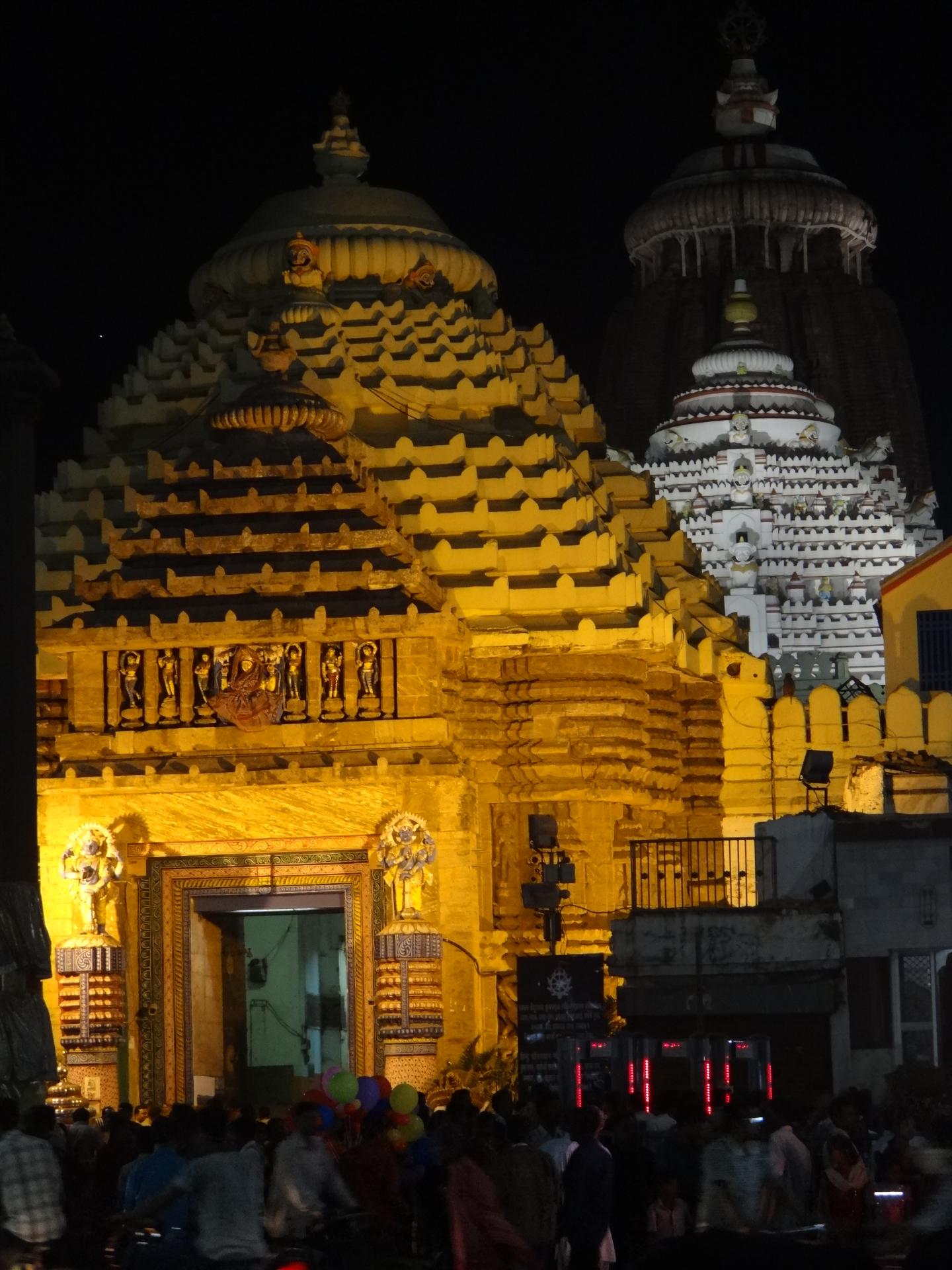 Le temple de Jagannath de nuit