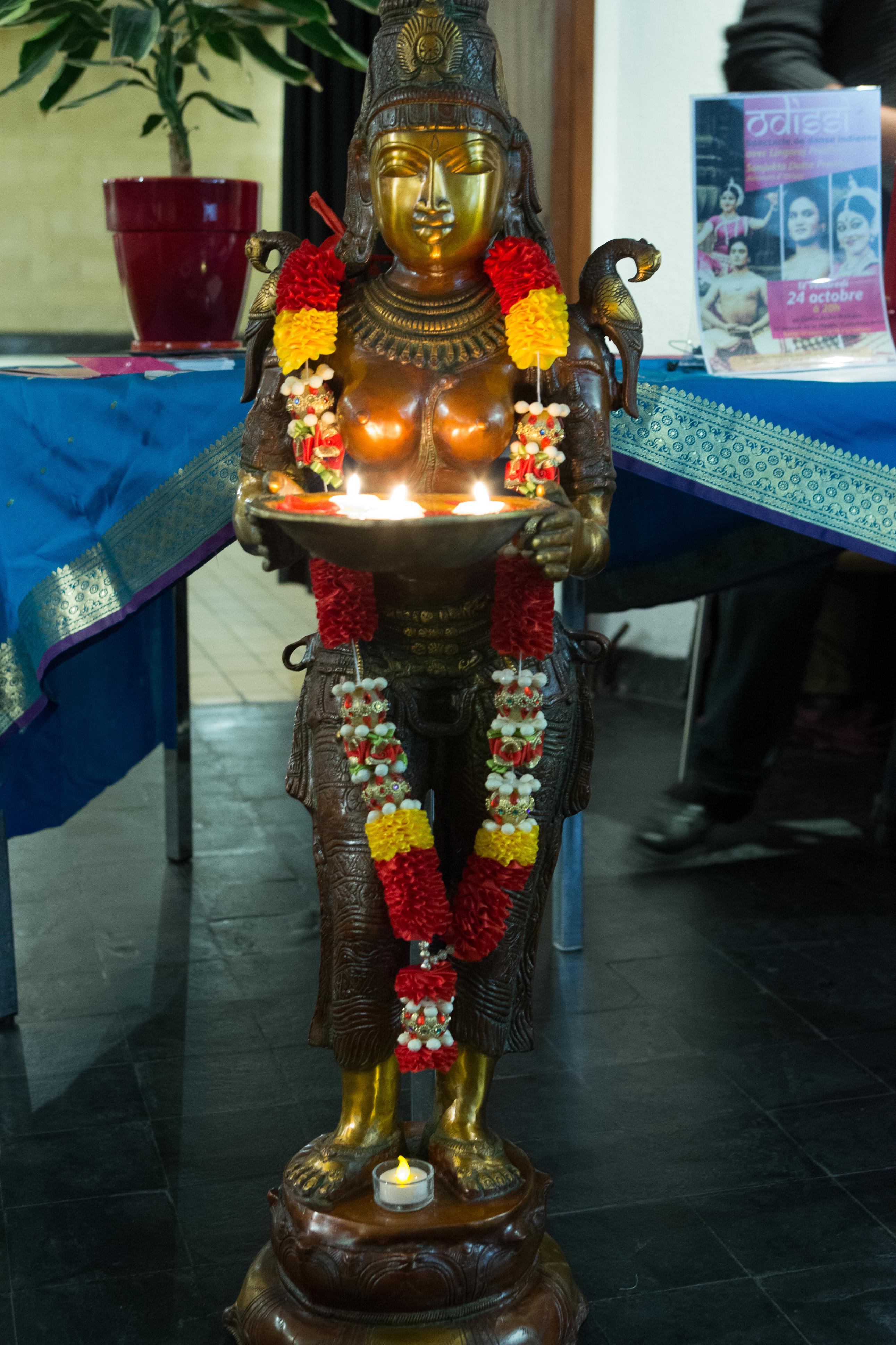 Lakshmi accueille le public