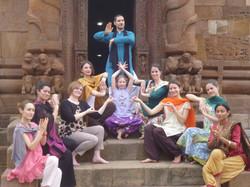 Pose devant le temple de Rajarani