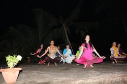 Danse devant le temple