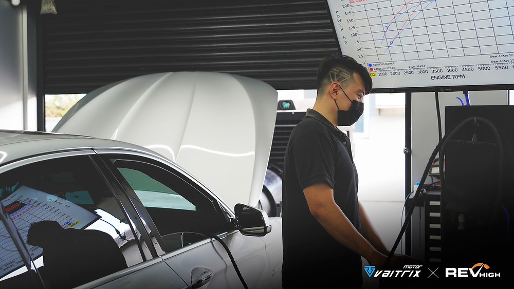 來自澳洲的汽車改裝品牌VAITRIX麥翠斯有最廣泛的車種適用產品,含汽油、柴油、油電混合車專用電子油門控制加速器,搭配外掛晶片及內寫,高品質且無後遺症之動力提升,也可由專屬藍芽App–AirForce GO切換一階、二階、三階ECU模式。外掛晶片及電子油門控制器不影響原車引擎保固,搭配不眩光儀錶,提升馬力同時監控愛車狀況。另有馬力提升專用水噴射可程式電腦及套件,改裝愛車不傷車。適用品牌車款: Audi奧迪、BMW寶馬、Porsche保時捷、Benz賓士、Honda本田、Toyota豐田、Mitsubishi三菱、Mazda馬自達、Nissan日產、Subaru速霸陸、VW福斯、Volvo富豪、Luxgen納智捷、Ford福特、Hyundai現代、Skoda、Mini; Altis、crv、chr、kicks、cla45、Focus mk4、 sienta 、camry、golf gti、polo、kuga、tiida、u7、rav4、odyssey、Santa Fe新土匪、C63s、Lancer Fortis、Elantra Sport、Auris、Mini R56、ST LINE、535i...等。