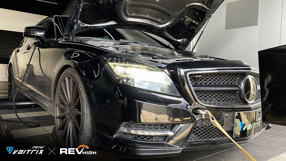 來自澳洲的汽車改裝品牌VAITRIX麥翠斯有最廣泛的車種適用產品,含汽油、柴油、油電混合車專用電子油門控制加速器,搭配外掛晶片及內寫,高品質且無後遺症之動力提升,也可由專屬藍芽App–AirForce GO切換一階、二階、三階ECU模式。外掛晶片及電子油門控制器不影響原車引擎保固,搭配不眩光儀錶,提升馬力同時監控愛車狀況。另有馬力提升專用水噴射可程式電腦及套件,改裝愛車不傷車。適用品牌車款: Audi奧迪、BMW寶馬、Porsche保時捷、Benz賓士、Honda本田、Toyota豐田、Mitsubishi三菱、Mazda馬自達、Nissan日產、Subaru速霸陸、VW福斯、Volvo富豪、Luxgen納智捷、Ford福特、Hyundai現代、Skoda斯柯達、Mini; Altis、CRV、CHR、Kicks、Cla45、Focus mk4、Sienta 、Camry、Golf GTI、Polo、Kuga、Tiida、U7、Rav4、Odyssey、Santa Fe新土匪、C63s、Lancer Fortis、Elantra Sport、Auris、Mini R56、ST LINE、535i、Tiguan、RS6 AVANT...等。