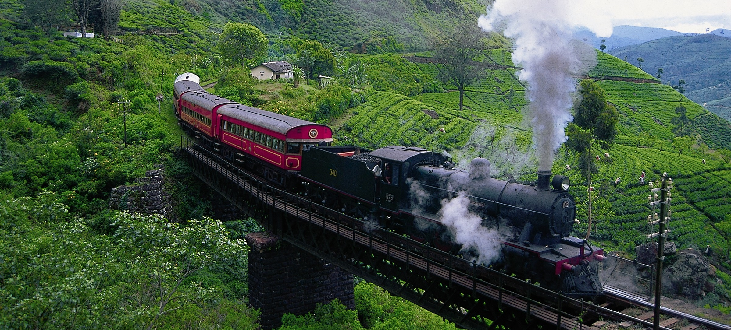 Nuwara Eliya to Ella Train.jpg