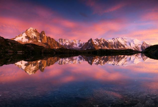 Reflet parfait au-dessus de Chamonix