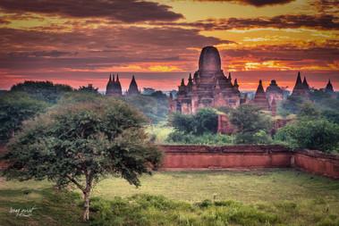 birmanie bagan sunrise 2 (1 sur 1).jpg