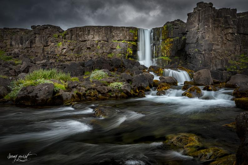 iceland waterfall (1 sur 1).jpg