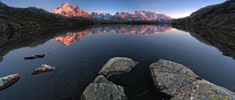 lac des cheserys vraie couleur.jpg