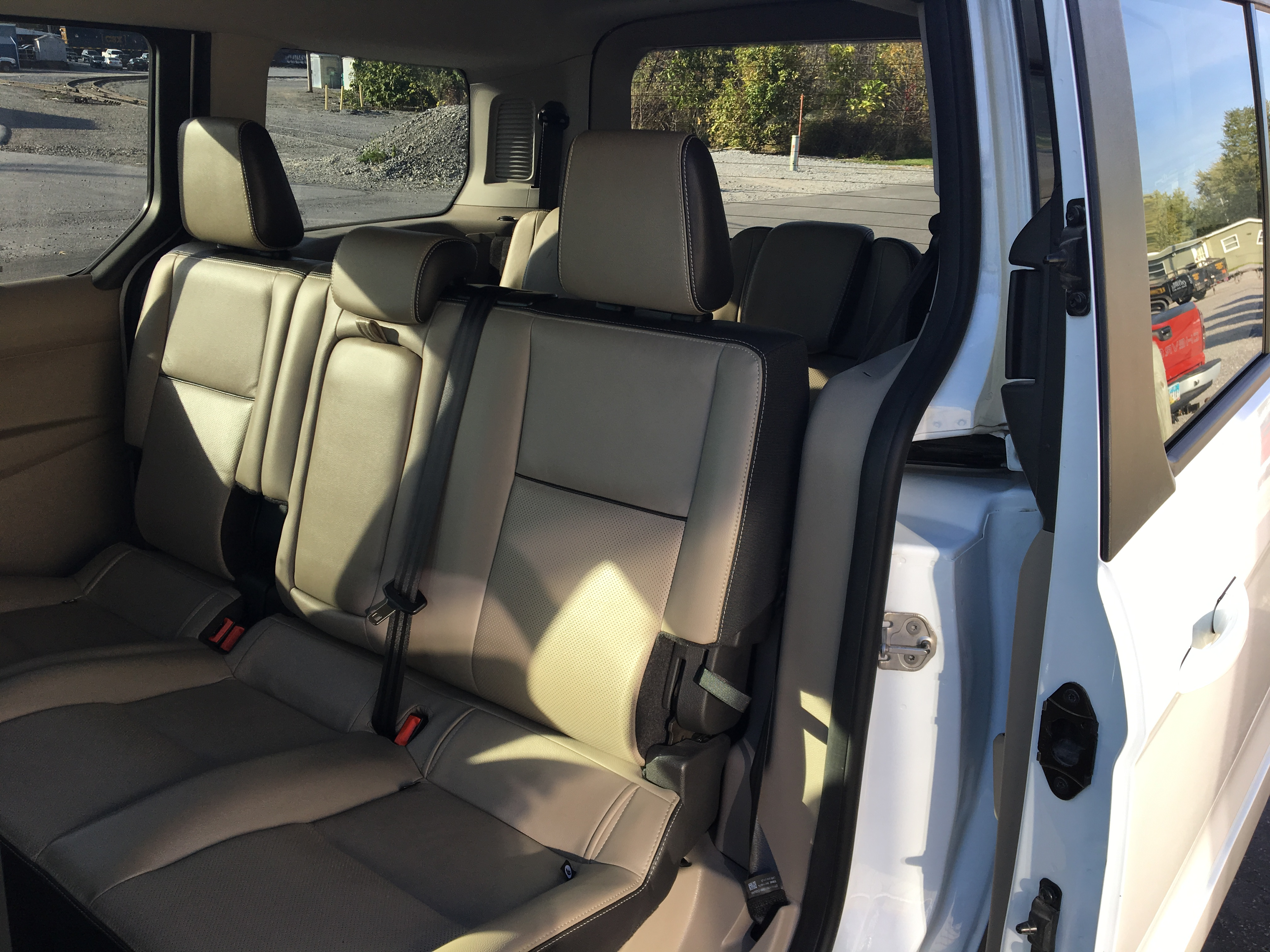 2015 Ford Transit XLT 7 passenger Vn