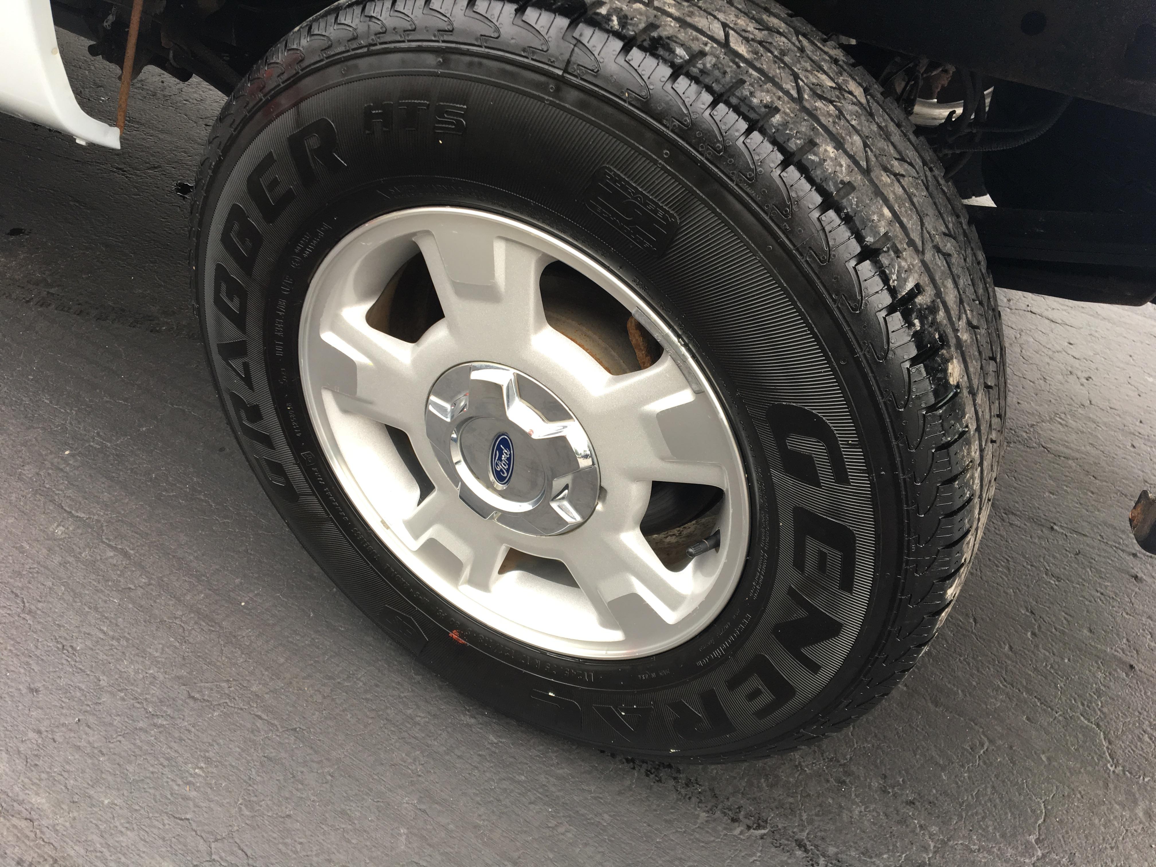 2013 Ford F-150 XL Reg Cab 4X4 LB