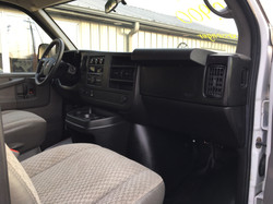 2009 GMC Savana 2500 8 passenger Van