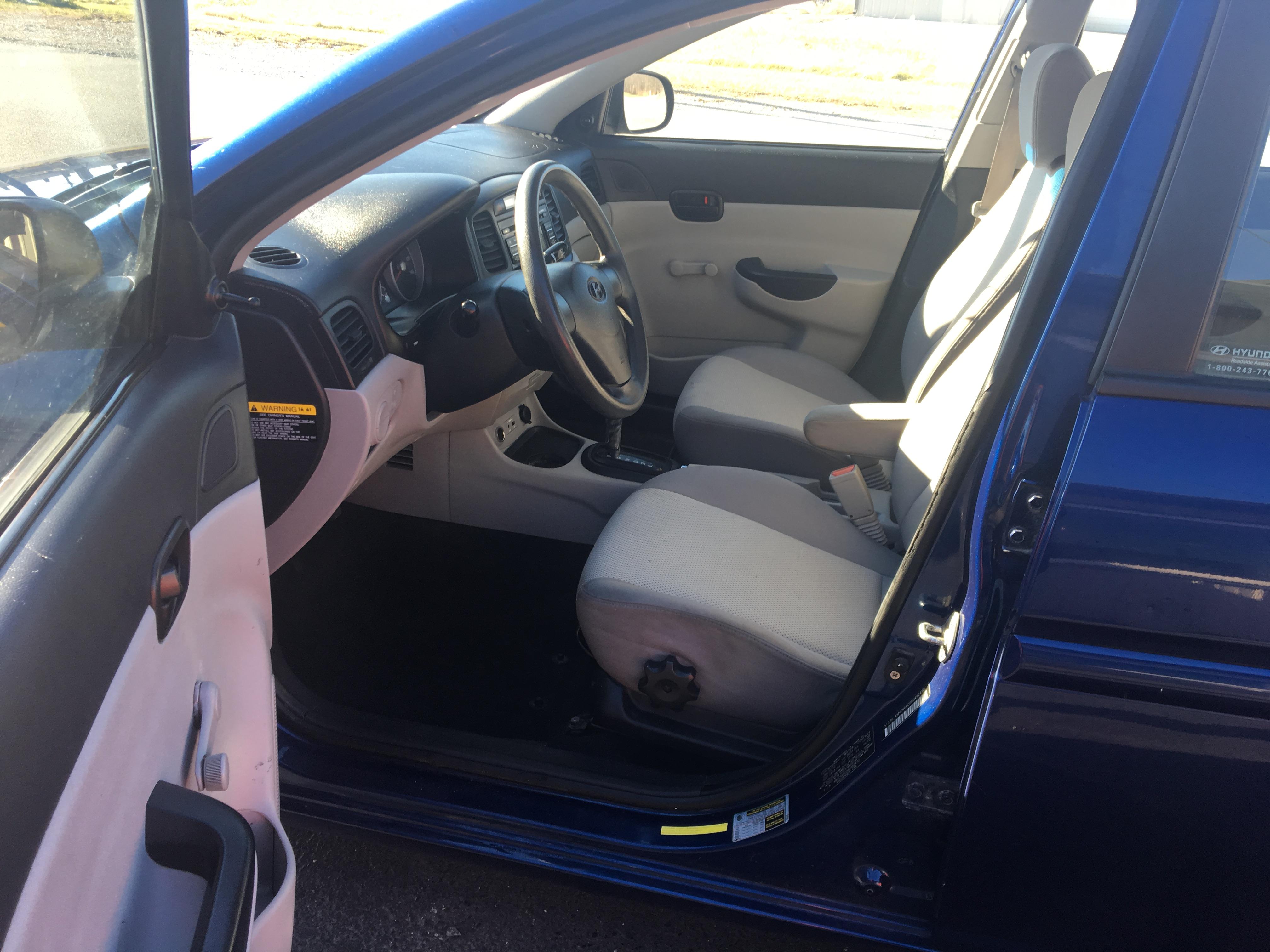 2010 Hyundai Accent 4dr GLS
