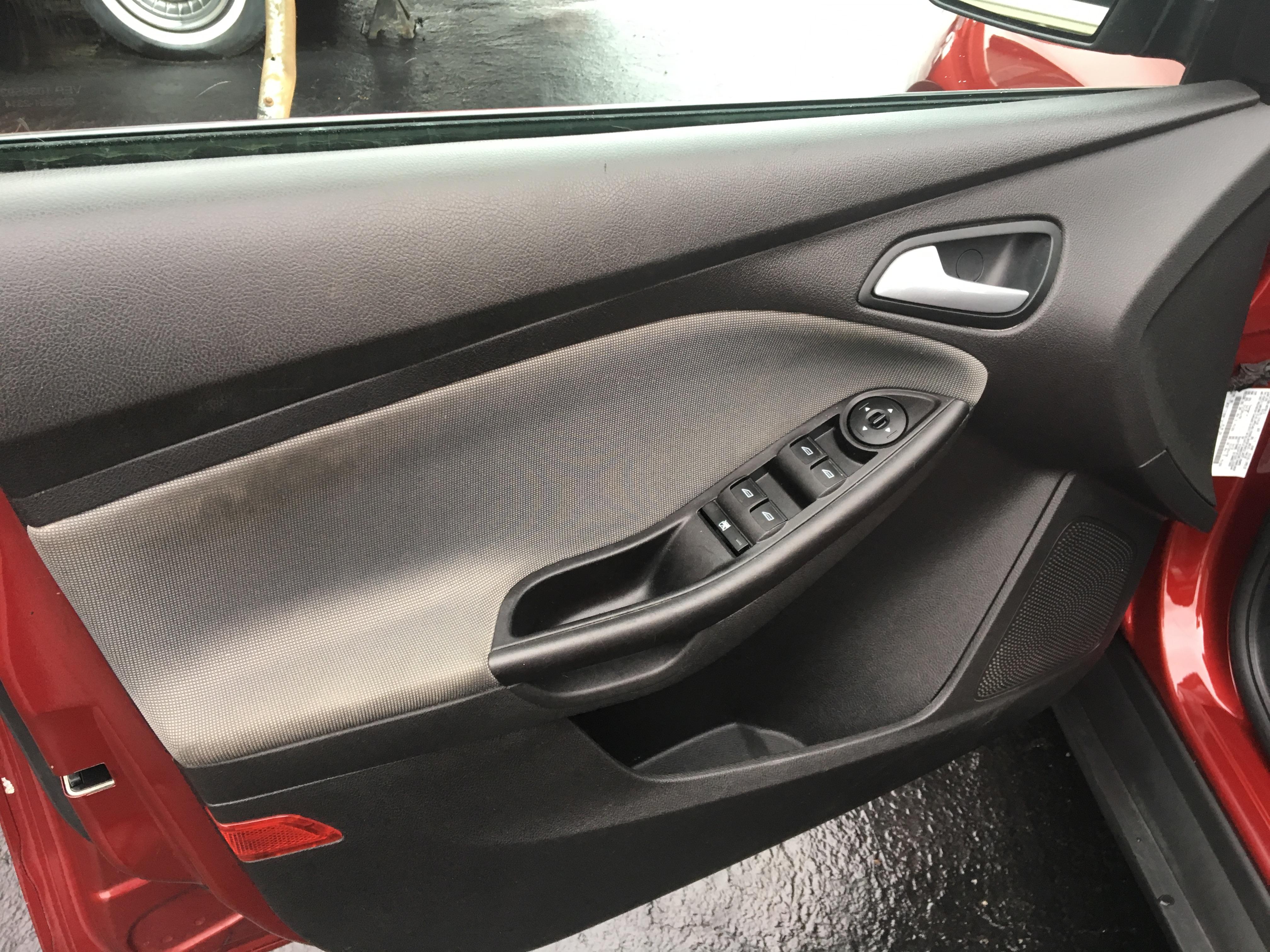2014 Ford Focus 4dr SE