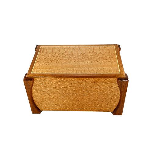 Urn Box 845