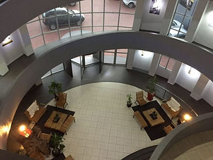 lobby hoy.jpg