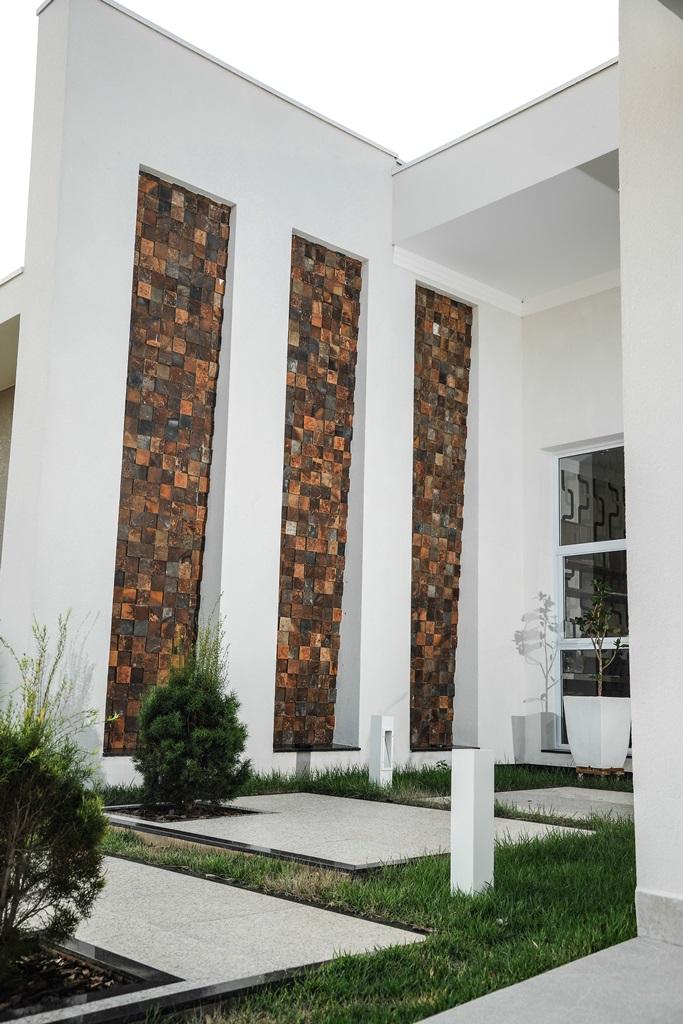 BAS044F - Mosaico Quadrante Pedra Ferro.