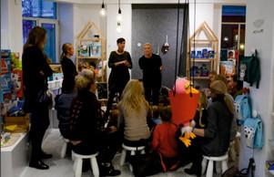 """Iniciatyva """"8 minutė"""" tėvus ir vaikus sukvietė į kūrybingą popietę kartu su N. Marčėnaite"""