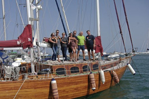 Su jachta palei Sicilijos krantus