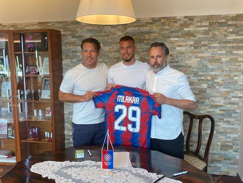Mlakar signs for HNK Hajduk Split