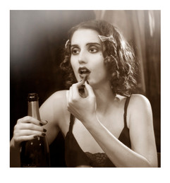 1920s_Cat_B&W.jpg