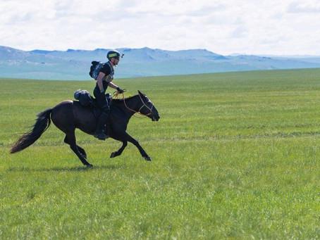 ... eine Teilnehmerin des Mongol Derby's (Teil 1)