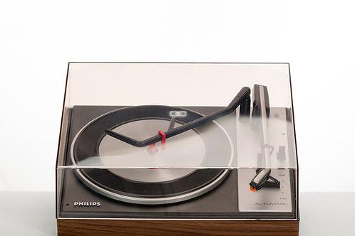 Tourne disque PHILIPS GA151