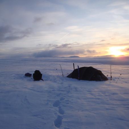 Rondane på langs midtvinters   Oppland, Norge